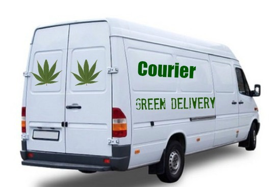 courier-green-delivery